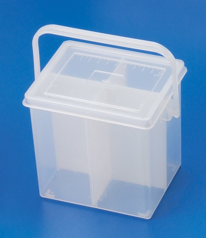 P0 Plastic Bucket with divider